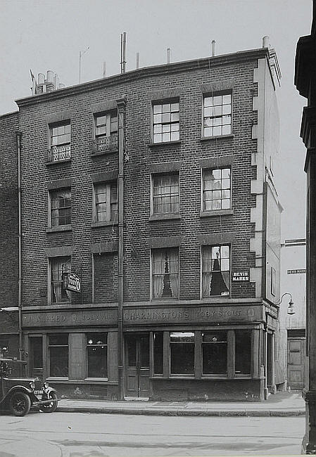 Red Lion, 17 Bevis Marks, All Hallows London Wall in 1948